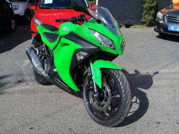 Foto numero 0 do veiculo Kawasaki Ninja 300 - Verde - 2012/2013