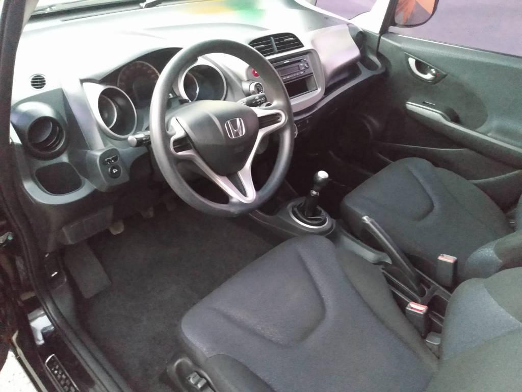 Honda New Fit LX 2011